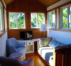 Ocracoke Cottage TV Loft